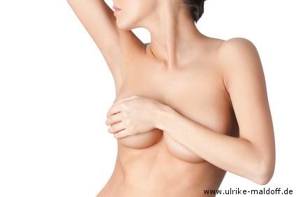 Wie sich vor der sehr kleinen Brust nicht zu genieren